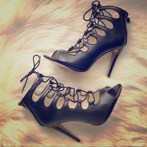 Heel lace up sandals